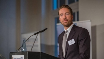 post image Jens B. Knudsen gives a speech at the Maritime Summer Event 2017
