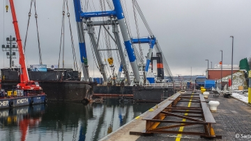post image Floating crane in Kiel-Holtenau