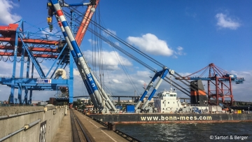 post image Floating crane meets gantry crane